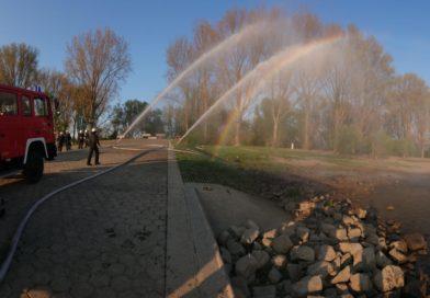 Dienst: Übung Wasserentnahme aus offenem Gewässer
